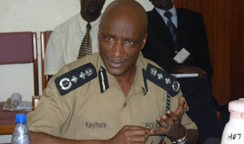 Kayihura urges lawyers against financial compromise
