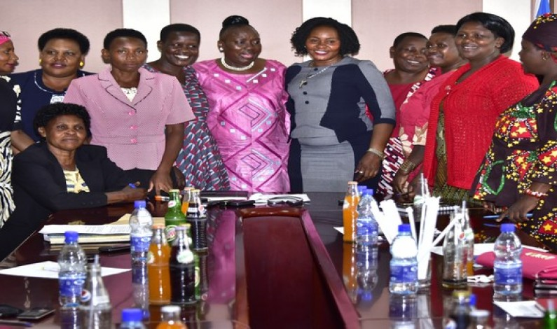 District female speakers demands sitting allowance